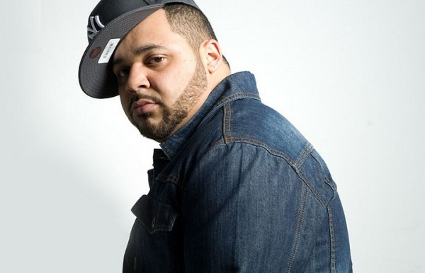 Joell Ortiz looking hot in a denim jacket.jpg