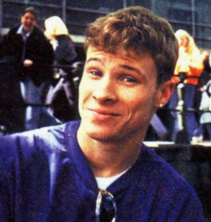 Brian Littrell as a hot teen looking hot as he smiles.jpg