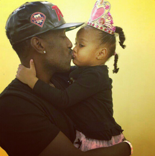 Shawn Stockman being a hot dad.jpg