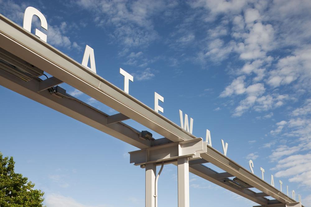619_41_Gateway_sign.jpg