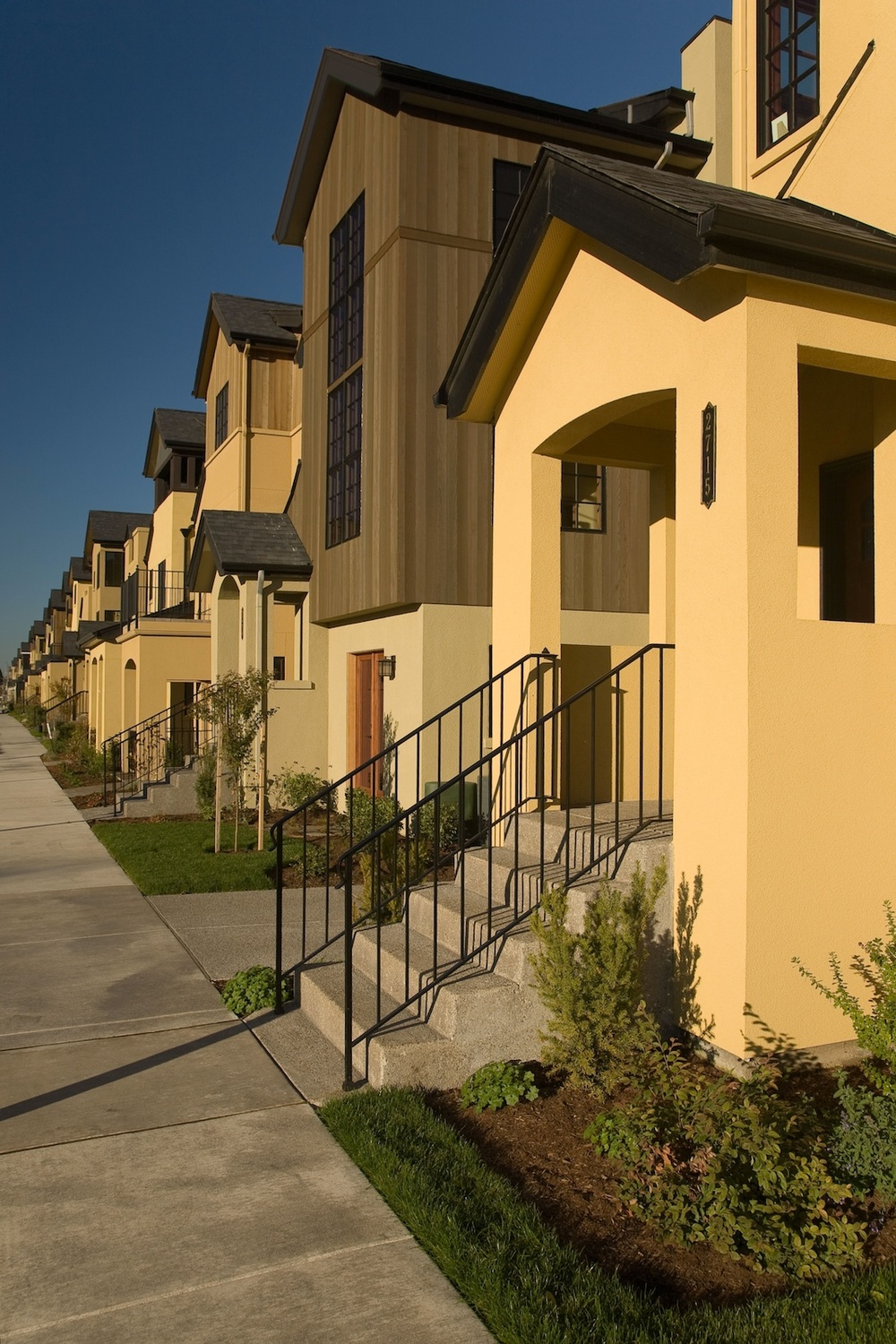 0517_13_CVTownhomes_Vertical3.jpg