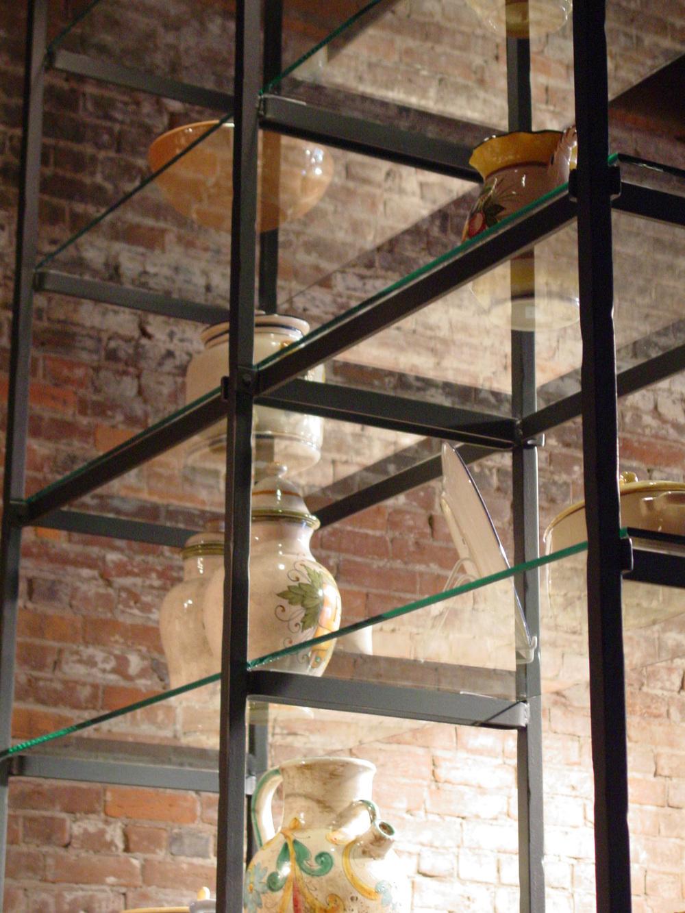 127_06_Perugino_shelves2.jpg