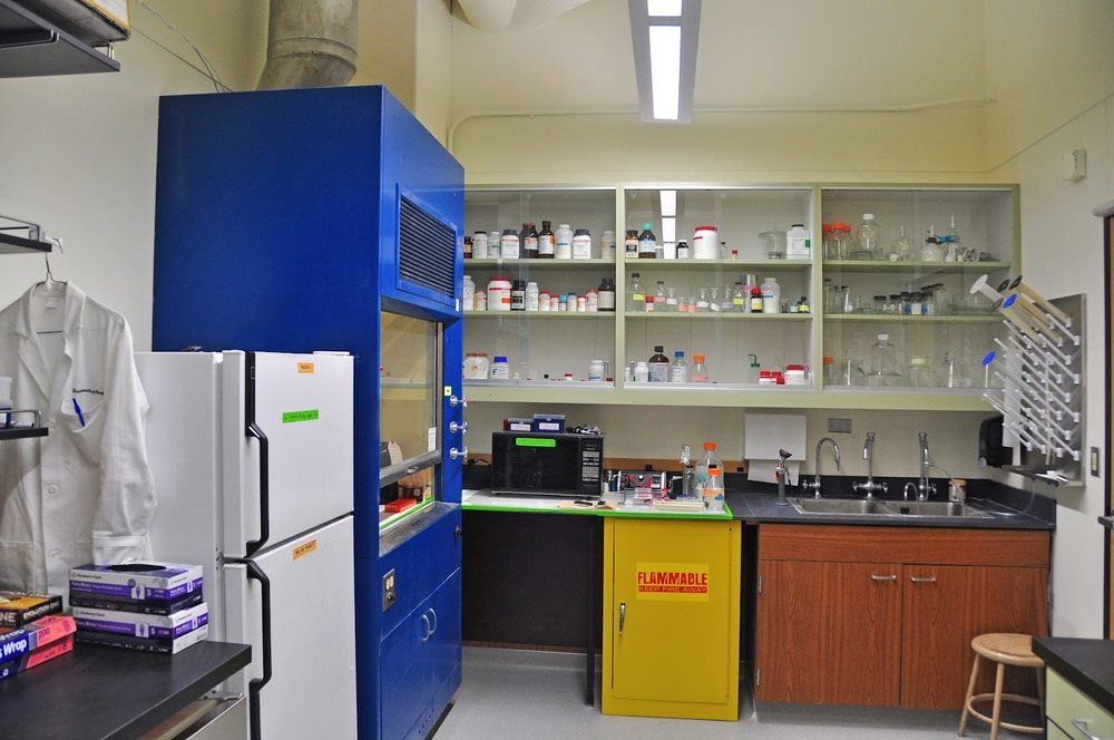 University of Oregon Tublitz Lab with reused casework and equipment (2012)