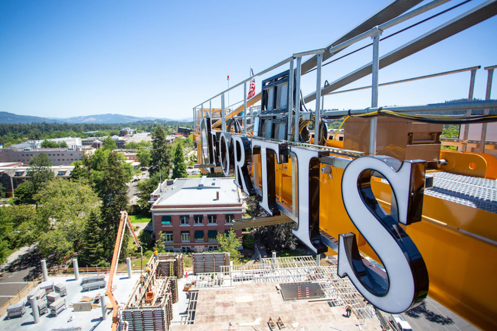 The crane looks over campus and large parts of Eugene. (Sarah Northrop/Emerald)