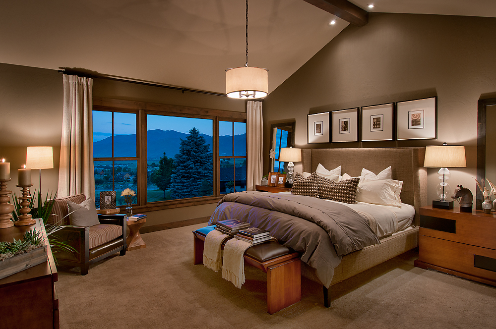 10-045-06 Master Bedroom.jpg