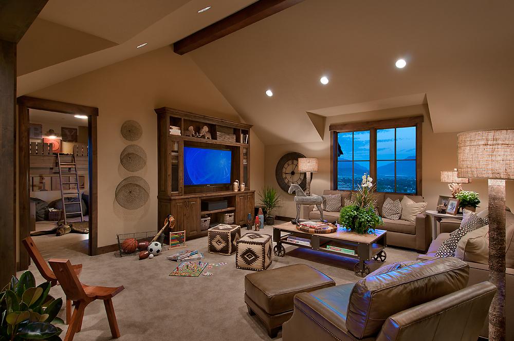 10-045-09 Family Room.jpg