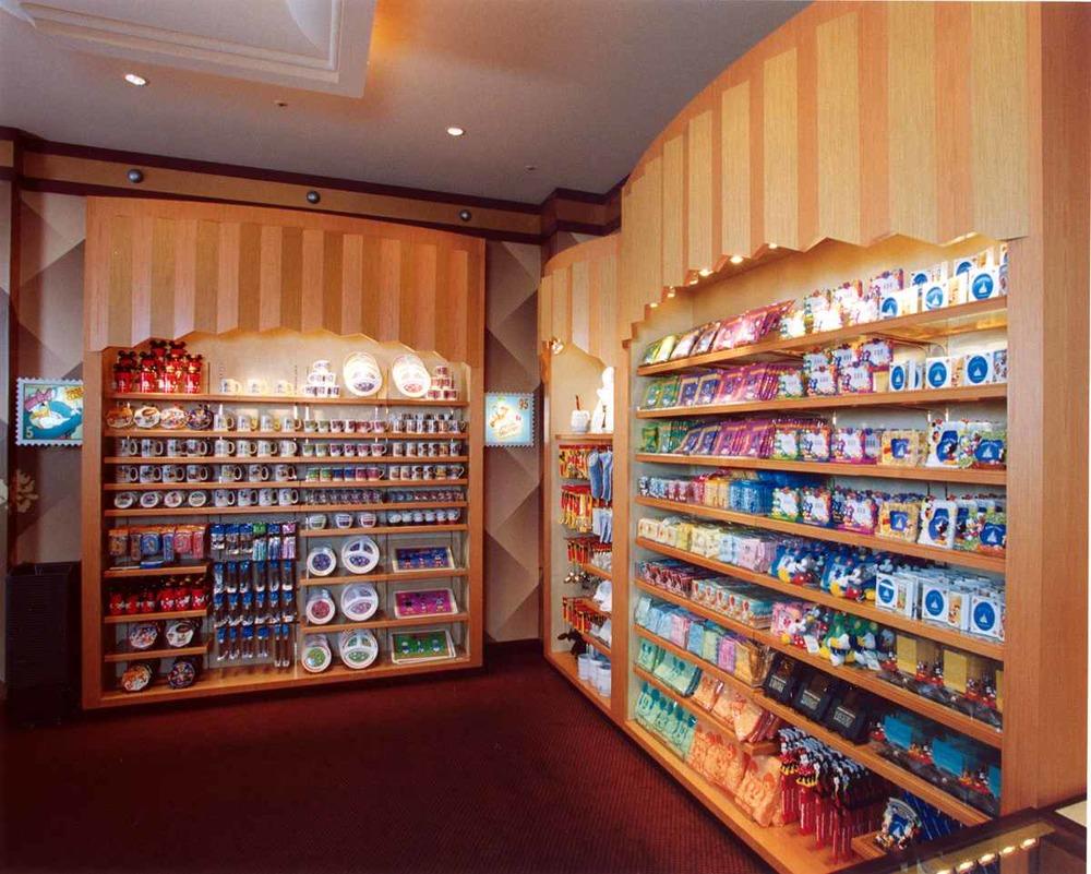Retail interior 4_sm.jpg