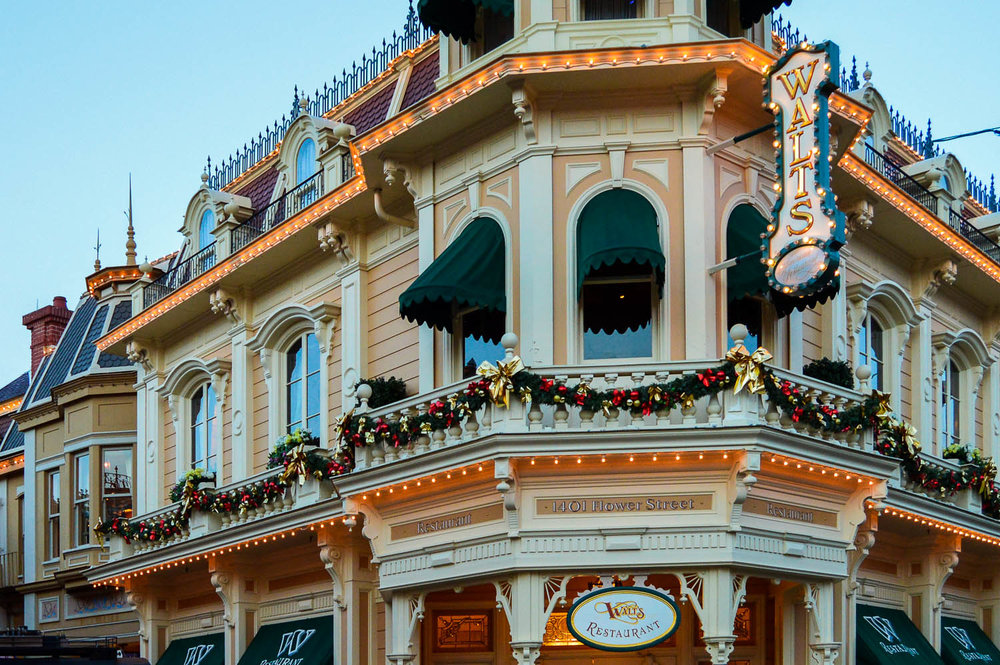 disneyland_paris_walts_restaurant_exterior.jpg