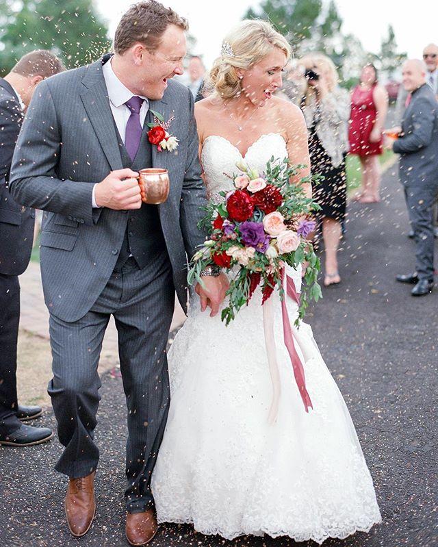 @shannonvoneschen #photoimpactlab #filmlife #filmisnotdead #wedding #weddingphoto #fun #flowers #reception