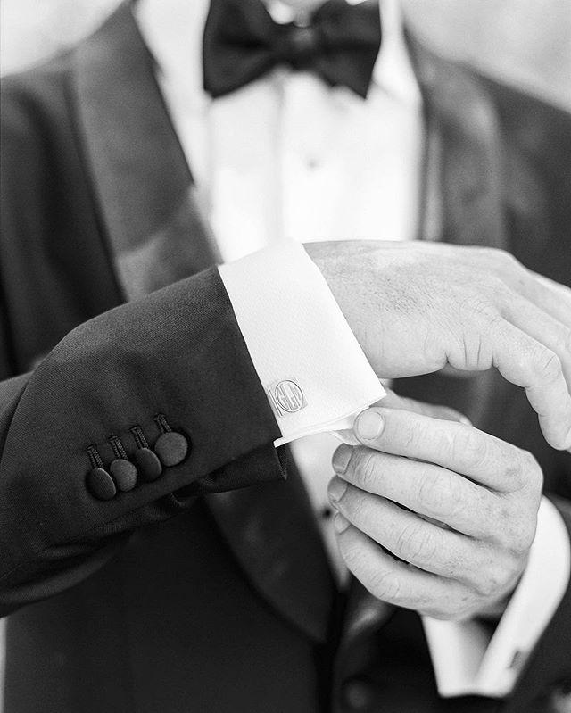 #shannonvoneschenphotography #filmphotography #shootfilm #120film #film #wedding #blackandwhitephotography #weddingphotography