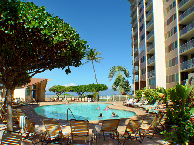 The Outrigger Royal Kahana has a well-establised reputation for hospitality, casual comfort, and exceptional true beachfront, ocean views.