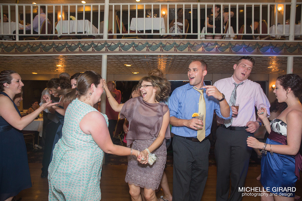 LakeGeorgeWedding_MichelleGirardPhotography_099.jpg