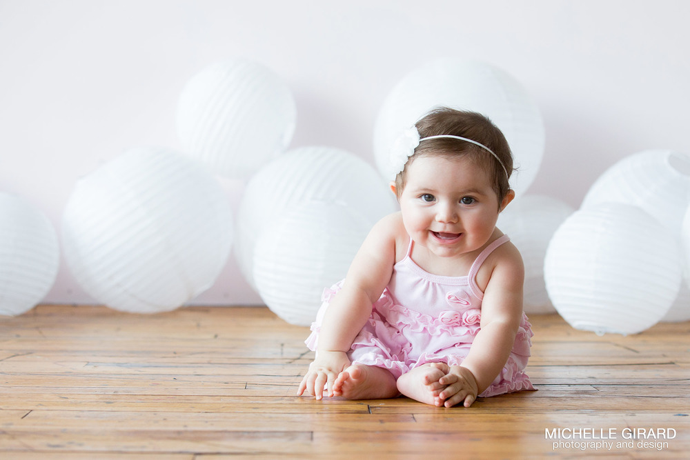 Six month old baby portraits savanna bubbles and smiles connecticut and massachusetts wedding photographer michelle girard photography design