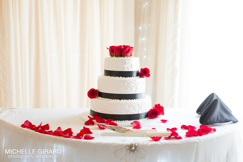 WhiteCliffsWedding_NorthboroughMA_MichelleGirardPhotography_20.jpg