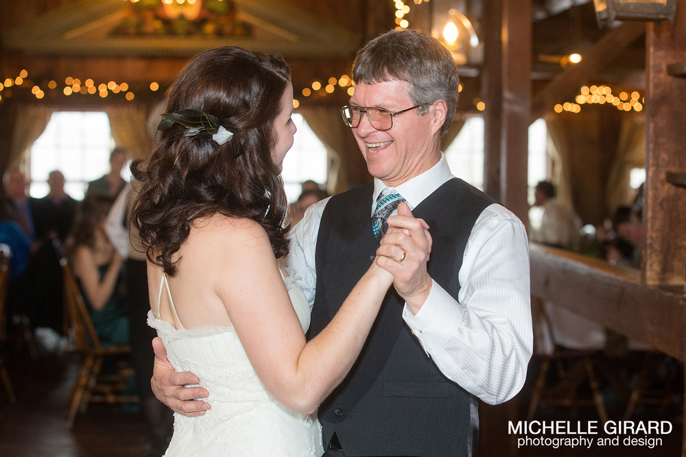 WinterWedding_SalemCrossInn_MichelleGirardPhotography47.jpg