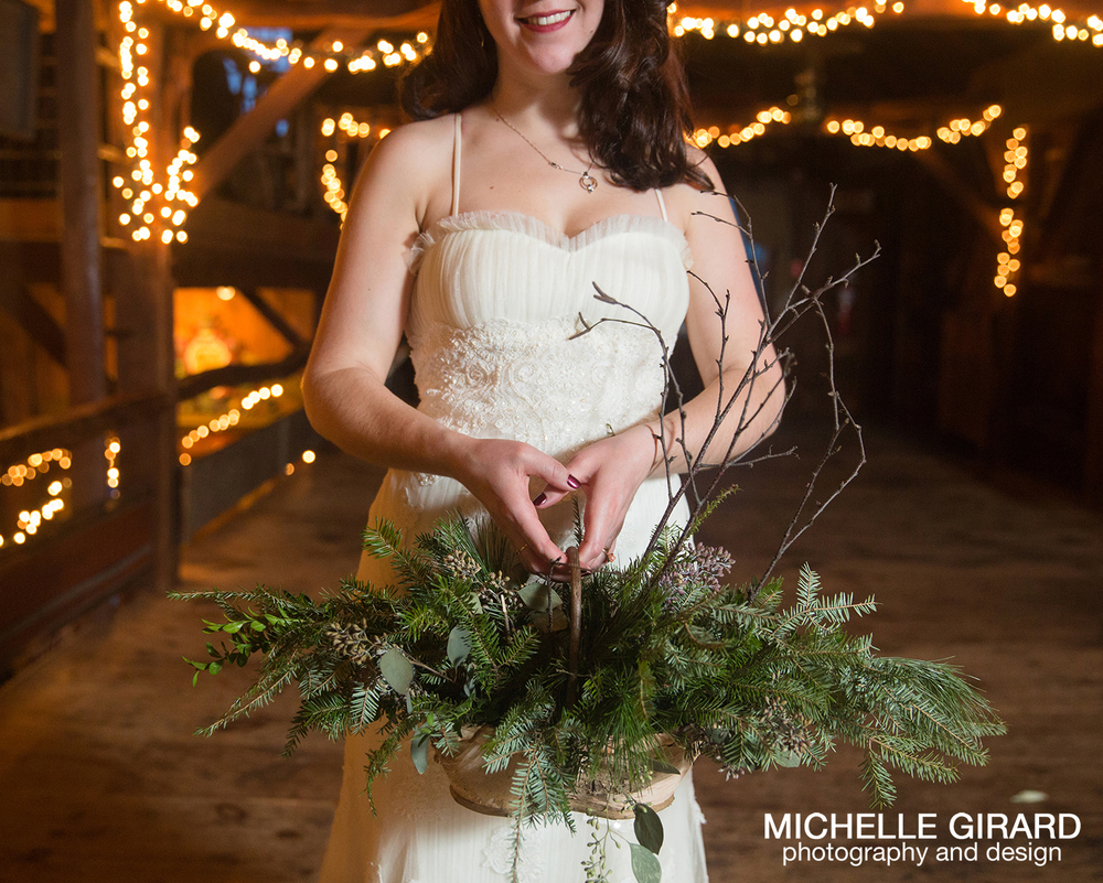 WinterWedding_SalemCrossInn_MichelleGirardPhotography51.jpg