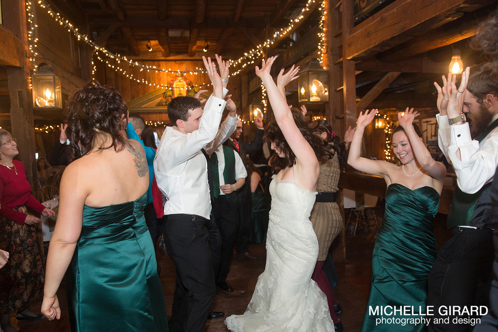 WinterWedding_SalemCrossInn_MichelleGirardPhotography50.jpg
