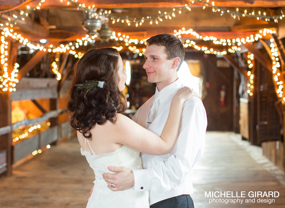 WinterWedding_SalemCrossInn_MichelleGirardPhotography53.jpg