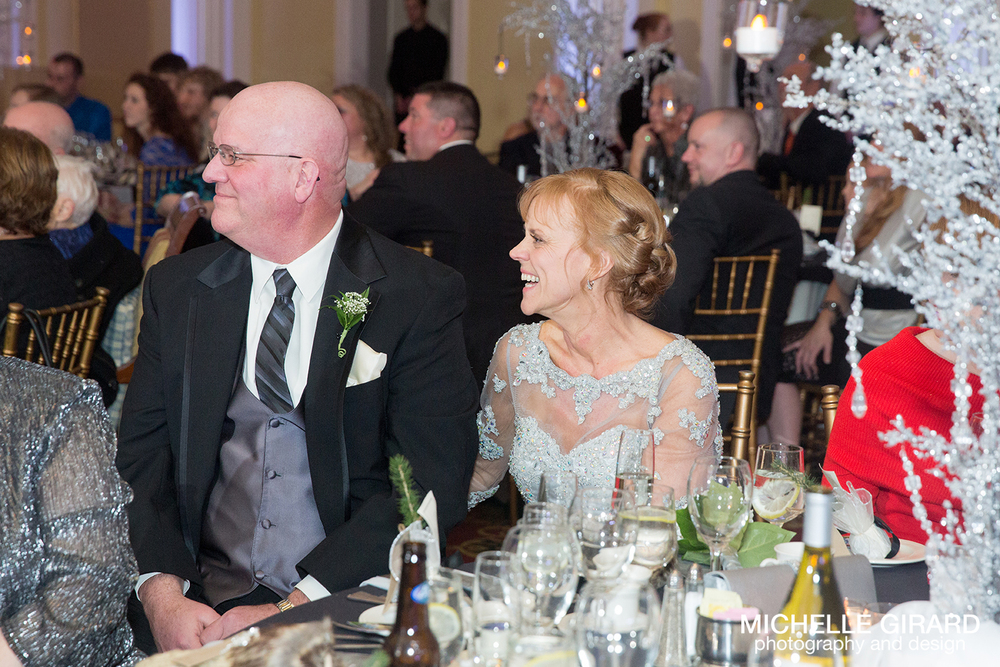 TheRiverviewWinterWedding_SimsburyCT_MichelleGirardPhotography041.jpg
