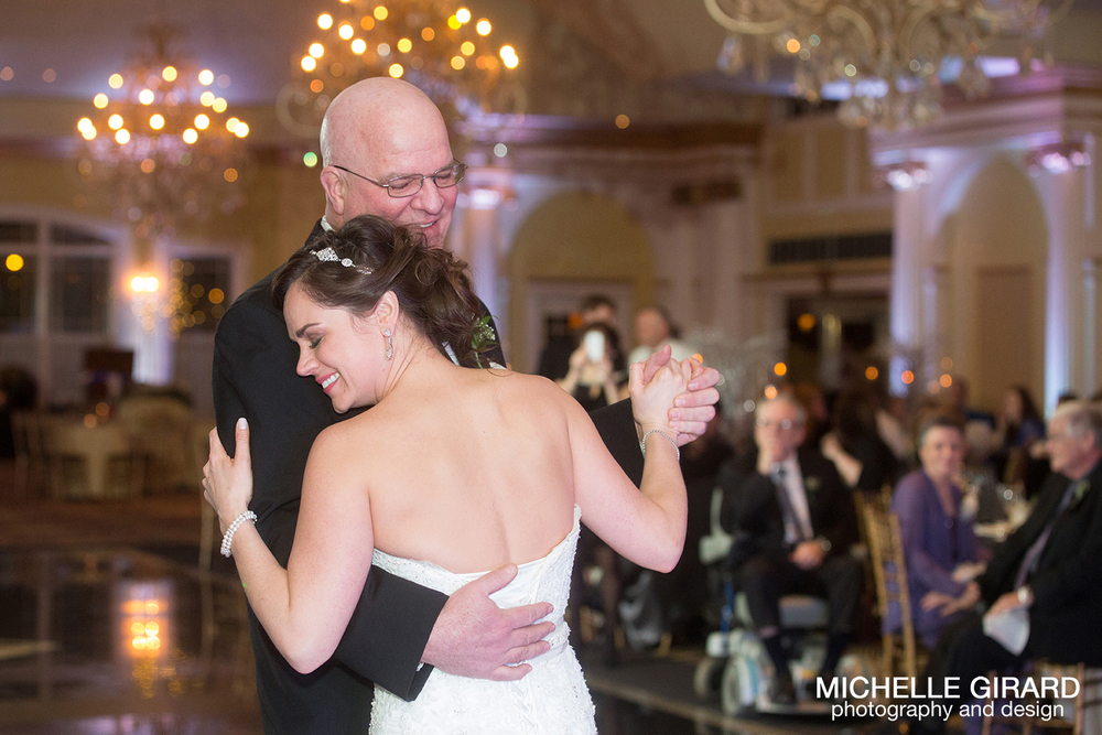 TheRiverviewWinterWedding_SimsburyCT_MichelleGirardPhotography043.jpg