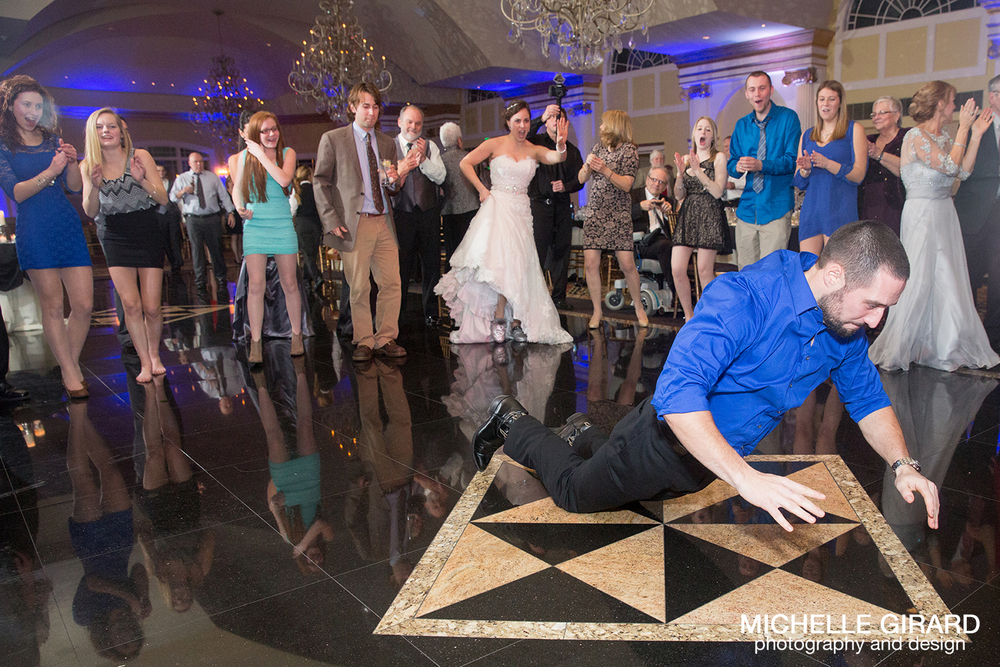 TheRiverviewWinterWedding_SimsburyCT_MichelleGirardPhotography045.jpg