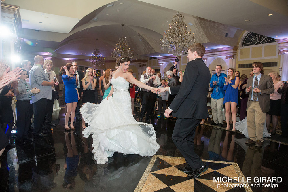 TheRiverviewWinterWedding_SimsburyCT_MichelleGirardPhotography046.jpg