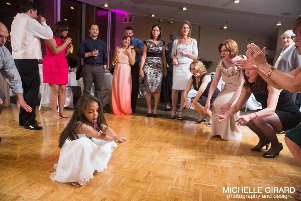 SpringWedding_CrestviewCountryClub_MichelleGirardPhotography27.jpg