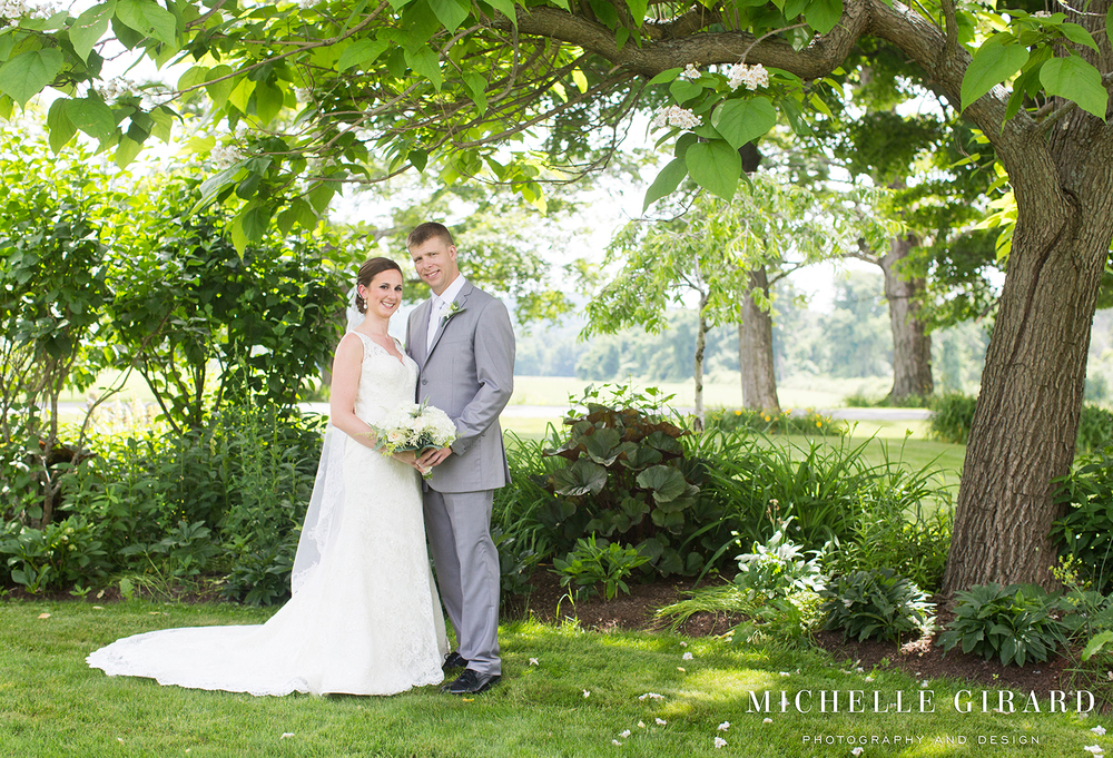 InterlakenInnSummerWedding_LakevilleCT_MichelleGirardPhotography001.jpg