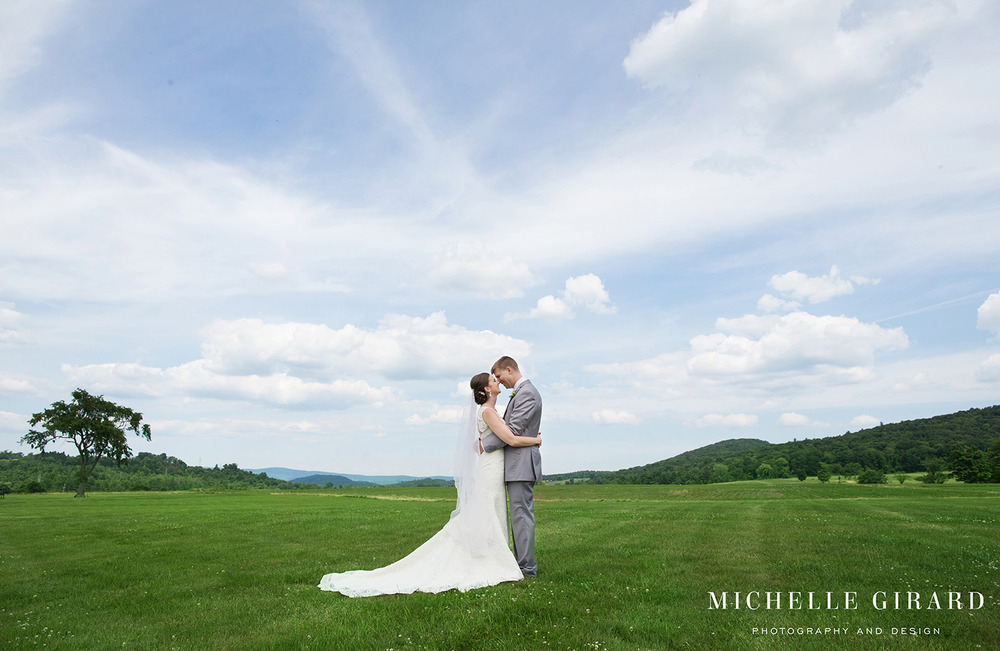 InterlakenInnSummerWedding_LakevilleCT_MichelleGirardPhotography008.jpg