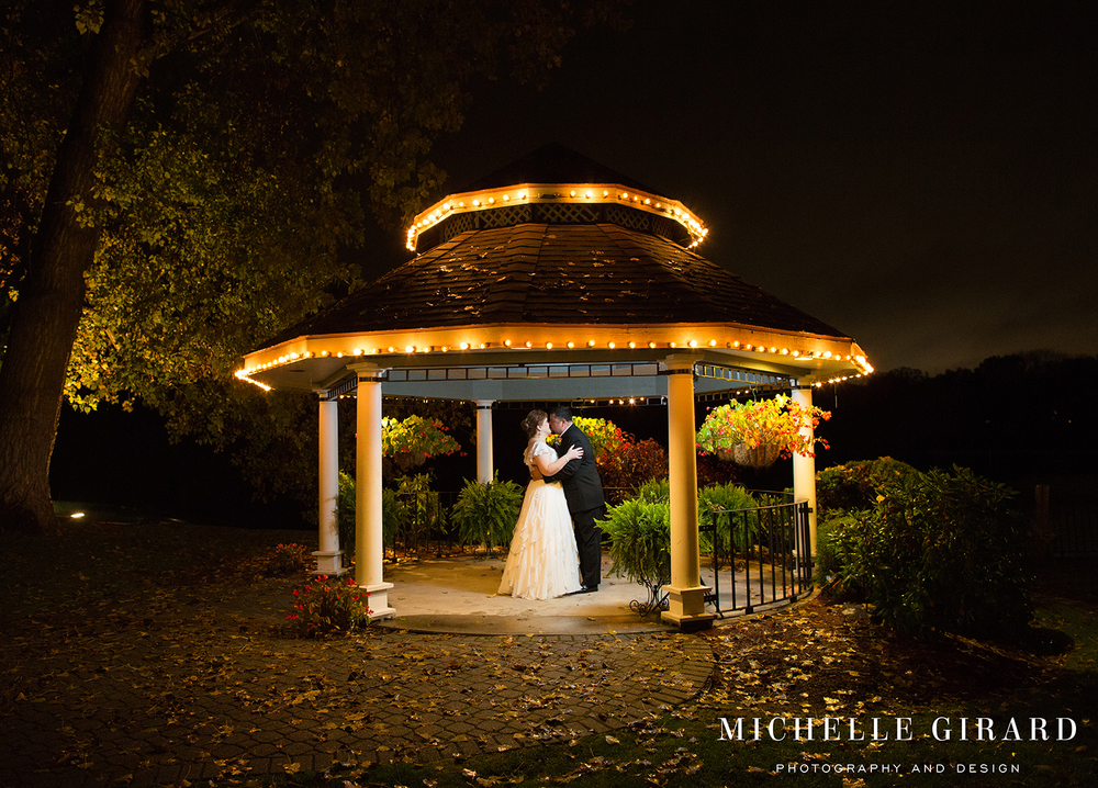 NovemberWedding_WindsorCT_MichelleGirardPhotography8.jpg