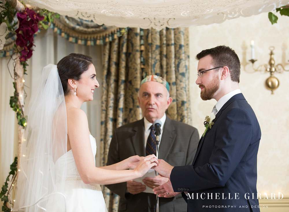 LordJefferyInnWedding_AmherstMA_MichelleGirardPhotography003.jpg
