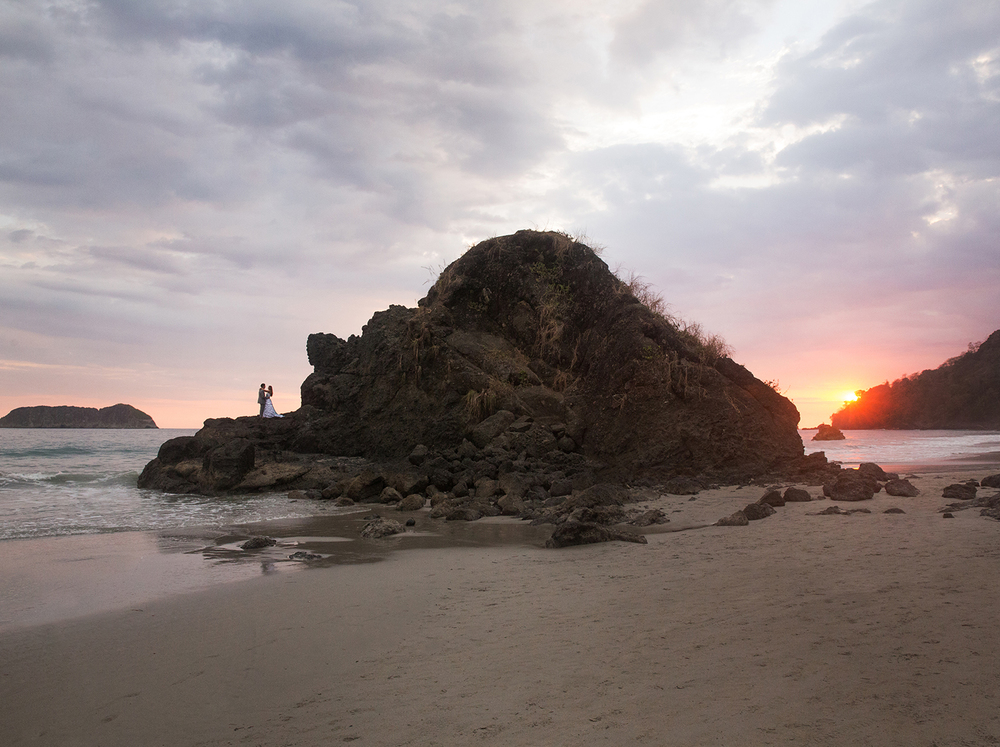CostaRica_BeachWedding_MichelleGirardPhotography01.jpg