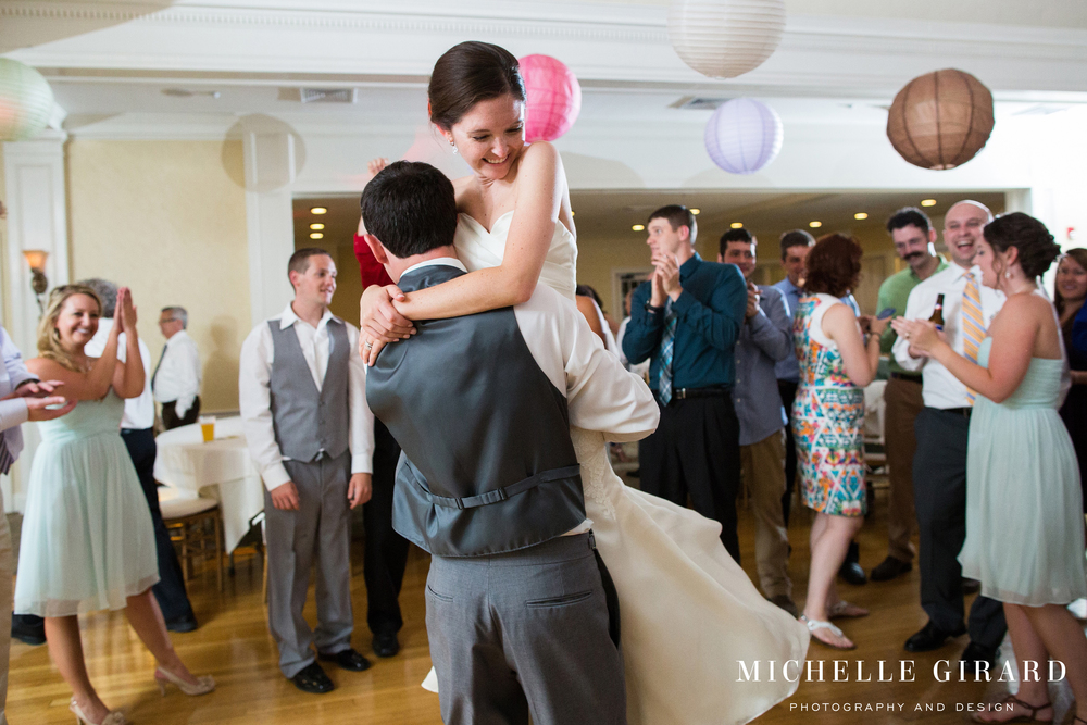 CountryClubofPittsfield_SummerWedding_BerkshireCounty_MichelleGirardPhotography_35.jpg