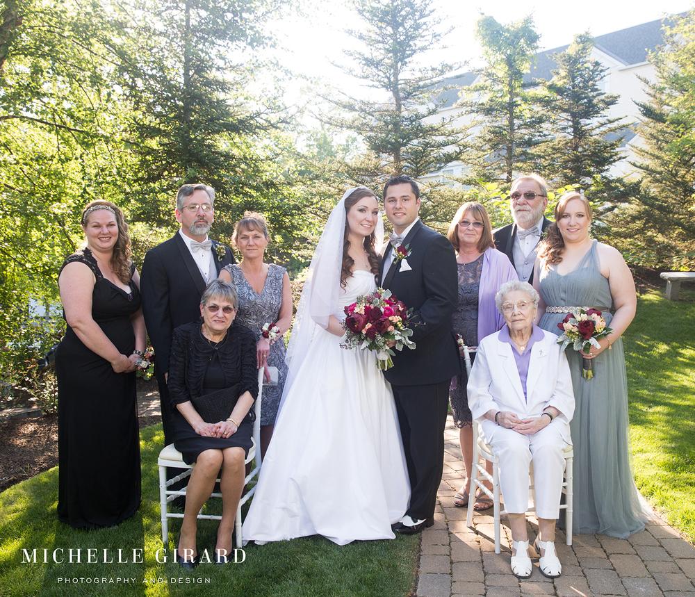 FamilyWedding_DelaneyHouse_DHotelSuites_HolyokeMA_MichelleGirardPhotography4.jpg