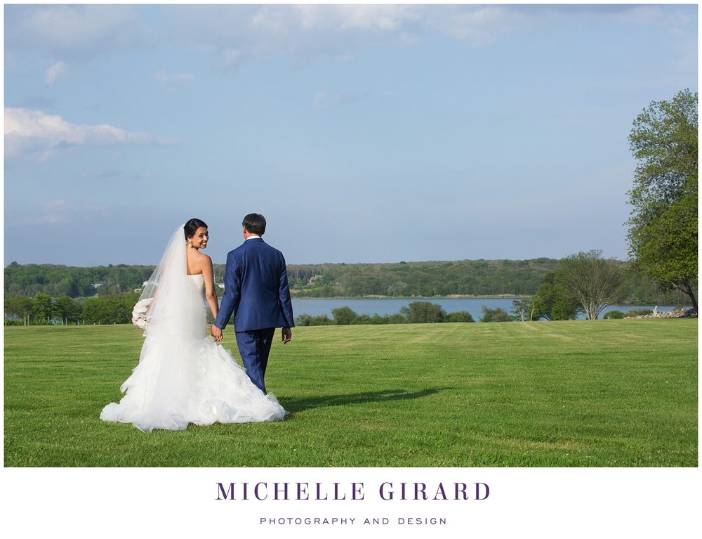 SakonnetVineyardJuneWedding_LittleComptonRI_MichelleGirardPhotography8.jpg