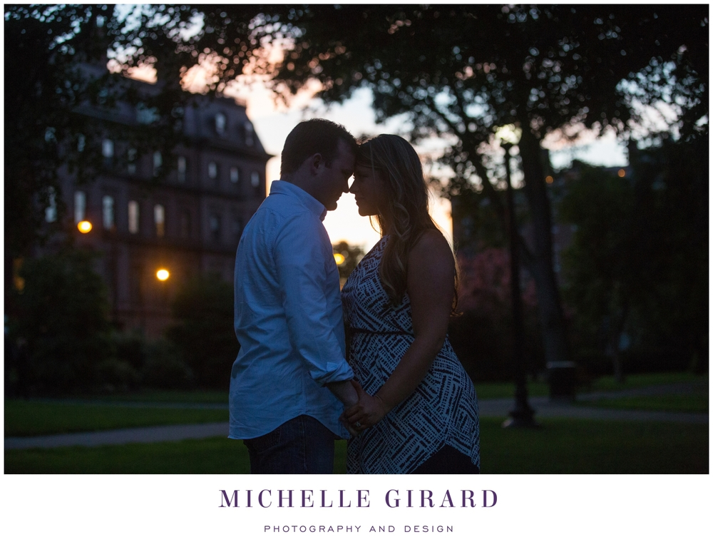 BostonCommonsGardens_BostonEngagementSession_MichelleGirardPhotography06.jpg
