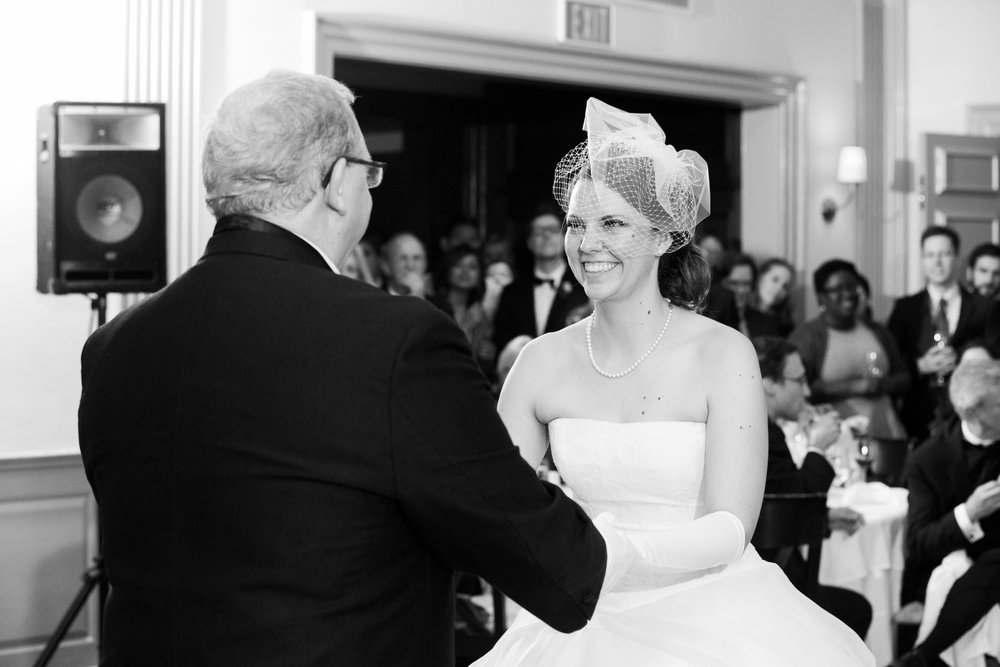 HarvardFacultyClubWedding_BostonMAFallWedding_MichelleGirardPhotography52.jpg