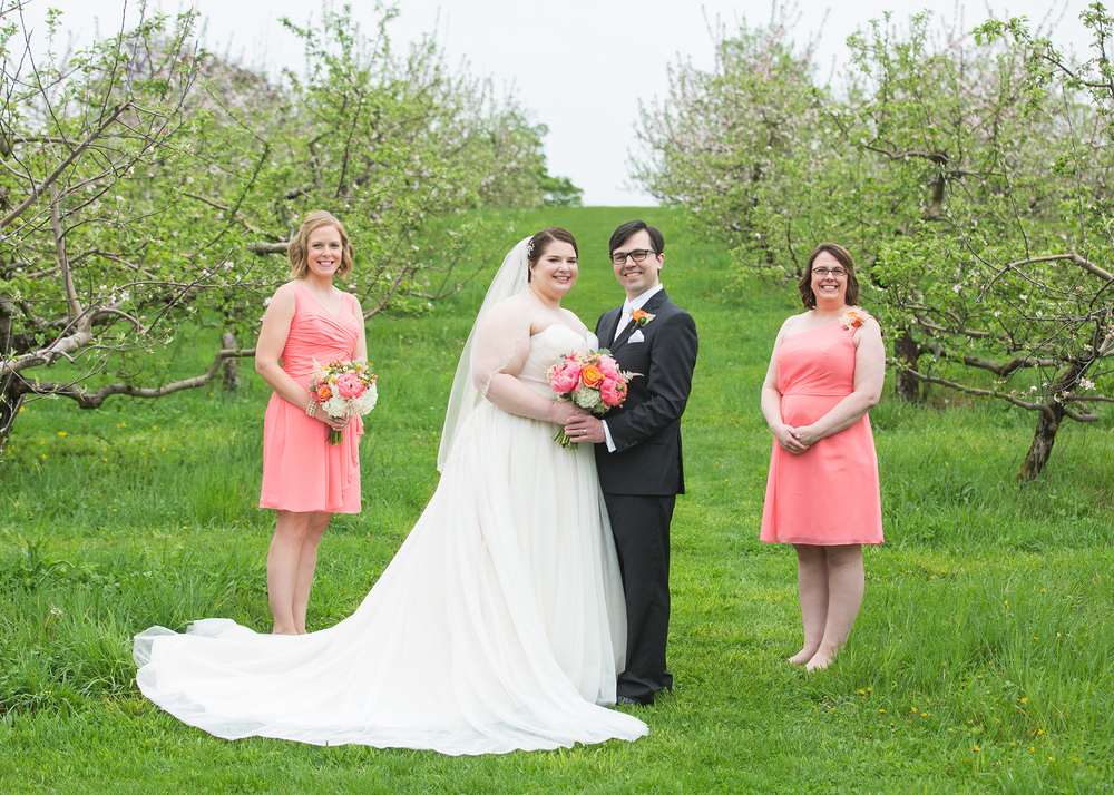 QuonquontFarms_IntimateSpringWedding_MichelleGirardPhotography5.jpg