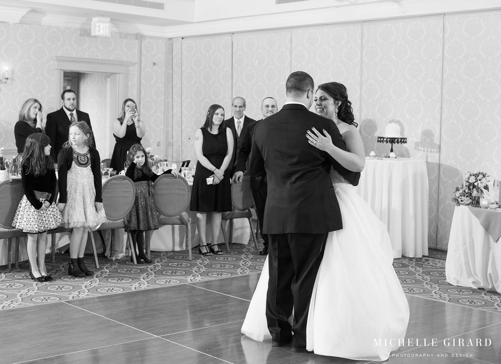 WinterWedding_LordJefferyInn_AmherstMA_MichelleGirardPhotography03.jpg