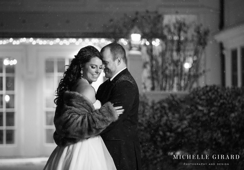 WinterWedding_LordJefferyInn_AmherstMA_MichelleGirardPhotography05.jpg