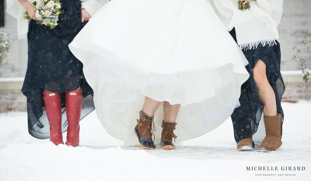 WinterWedding_LordJefferyInn_AmherstMA_MichelleGirardPhotography09.jpg