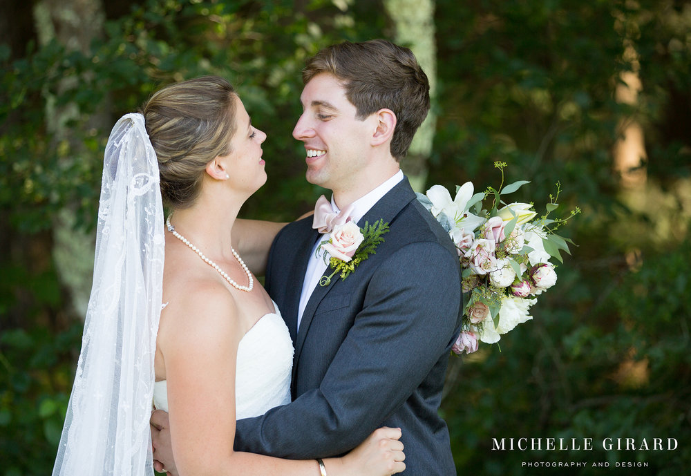 0P3B8634NorfolkCountryClubWedding_ConnecticutChapelCeremony_MichelleGirardPhotography.jpg