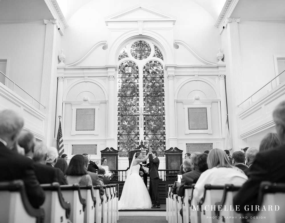 131A2063NorfolkCountryClubWedding_ConnecticutChapelCeremony_MichelleGirardPhotography.jpg