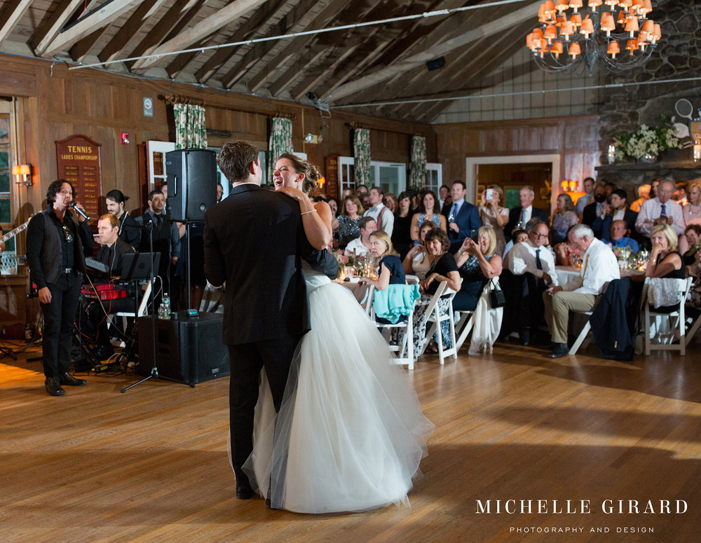 131A2327NorfolkCountryClubWedding_ConnecticutChapelCeremony_MichelleGirardPhotography.jpg