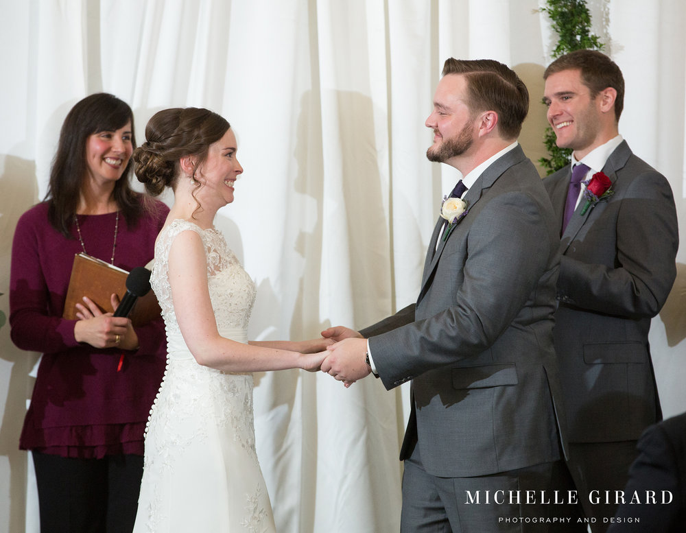 WinterWedding_AmherstMA_LordJefferyInn_MichelleGirardPhotography03.jpg