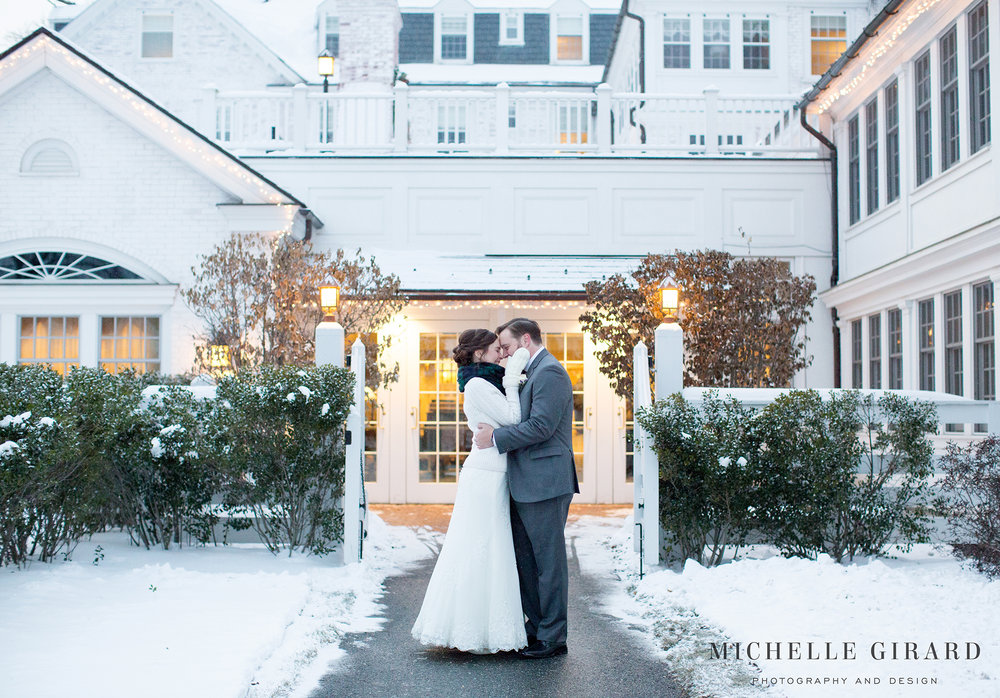 WinterWedding_AmherstMA_LordJefferyInn_MichelleGirardPhotography04.jpg