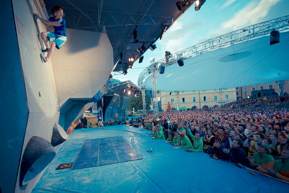 melissa on top of the slab and in front of a great audience pic: holzknecht