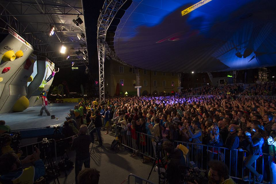 huge crowd in innsbruck 2013 pic: holzknecht