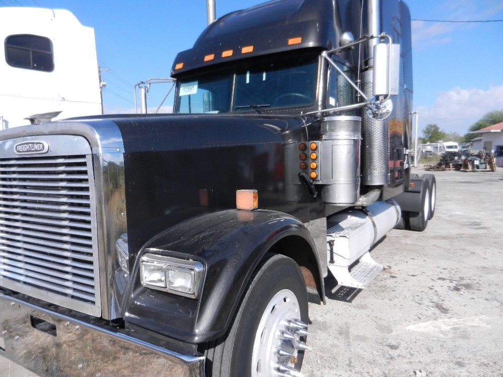 SOLD   1998 Freightliner FLD132XL  500hp Detroit 12.7L series 60, jakes, 10 speed, air ride, aluminum wheel,s sliding 5th, double bunk sleeper