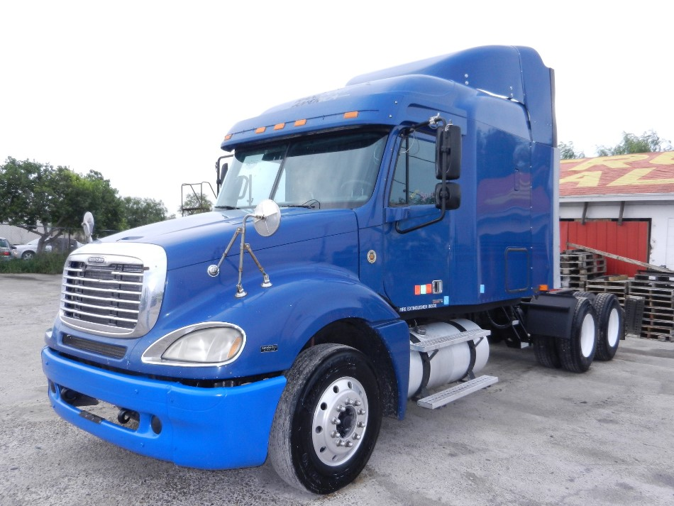 2004 Freightliner Columbia MBE